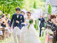 【花嫁QA】バージンロードは父親以外と歩いてもいい?新郎と歩くのはOK?