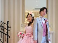 キュートなピンクで春を先取り!佐々木希のカラードレスで過ごしたバレンタインウェディング