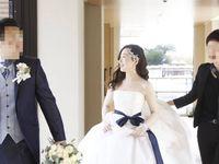 洗練された空間に調和する大人リゾート婚のドレスコーディネート
