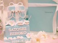 花嫁さんに大人気♪ウェディングケーキだって《ティファニーブルー》!