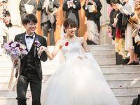 憧れの大階段でフラワーシャワー!大好きな紫をテーマに「青山セントグレース大聖堂」で冬婚