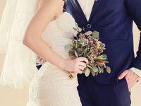 セレブ御用達*《ZACPOSEN(ザックポーゼン)》のグラマラスなウェディングドレス・カラードレス