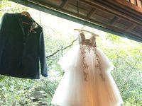 ブライズルームもフォトジェニックに!《ブライダルハンガー》でウェディングドレスもかわいく飾ろう*