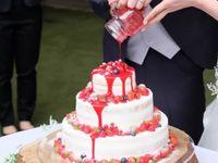 《カラードリップケーキ》がさらに進化!サラダ、カレー、みたらし団子までドリップしちゃう演出に注目*