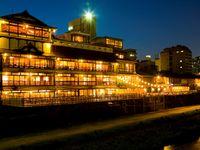 FUNATSURU KYOTO KAMOGAWA RESORT《2017年度口コミランキング 京都府  料理評価  1位》を受賞!その選ばれる理由をご紹介
