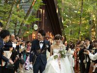 【結婚式拝見】ずっと憧れだった「軽井沢高原教会」で叶えた、森の中のリゾートウェディング!