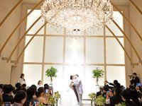 【結婚式拝見】豪華なシャンデリアの下で誓う「ザ・ロイヤルダイナスティ大宮」で大人モダンウェディング