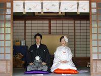世界遺産・姫路城を望む「白鷺宮 姫路護国神社」で叶えた、大人の和婚