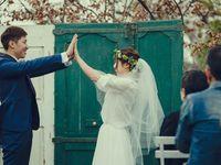 【結婚式拝見】合い言葉は「ハイタッチ」!大好きな職場「ルメルシェ元宇品」でウェディング♪