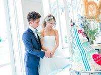 【結婚式拝見】まるでビーチリゾート!自由なアイディアで作り上げた西海岸風デニムウェディング