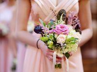 サマーウェディングのお色直しはこれで決まり!夏らしさ満点のカラードレス