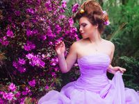 お色直しは思いっきり華やかに♪とびっきりカラフルなカラードレスデザイン