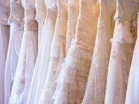やっぱり憧れのVERA WANG(ヴェラ・ウォン)。どのタイプのドレスにするかもう決めた?