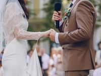 後ろ姿をキレイに魅せたい♪挙式スタイルとドレスとの相性をチェック!