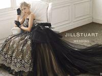白ではなくあえて黒に♪大人かわいいブラックウェディングドレス特集