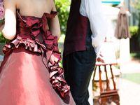 ボルドーカラーのウェディングドレスで秋っぽ花嫁に♪