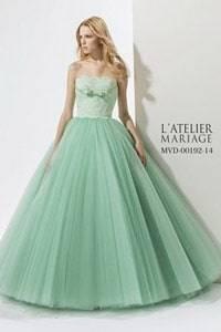 緑・グリーン系のウェディングドレスを探す
