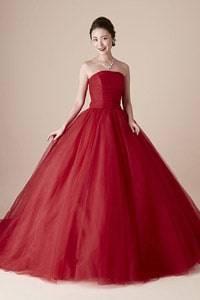 赤・レッド系のウェディングドレスを探す