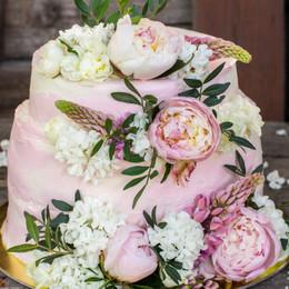 \うっとりする画像だけ集めた/ロマンティックな《ピンクのウェディングケーキ》で憧れを叶えよう*