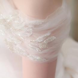 《白っぽ加工》と相性抜群*触ったら消えちゃいそうな透明感がかわいいウェディングドレス発見!