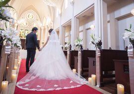 【結婚式拝見】「セントグレース大聖堂」で大好きなシャクヤクに囲まれて♪こだわりの春ウェディング