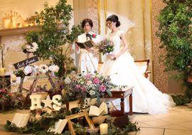 【結婚式拝見】ゲストは親族と親友だけ!アンティーク小物と猫モチーフで彩られたアットホームウェディング
