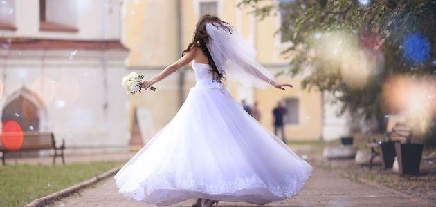 花嫁(女性)のウェディングドレス