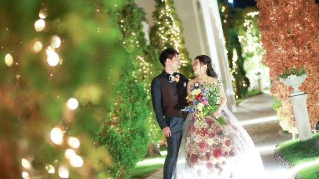 結婚式ののドレス