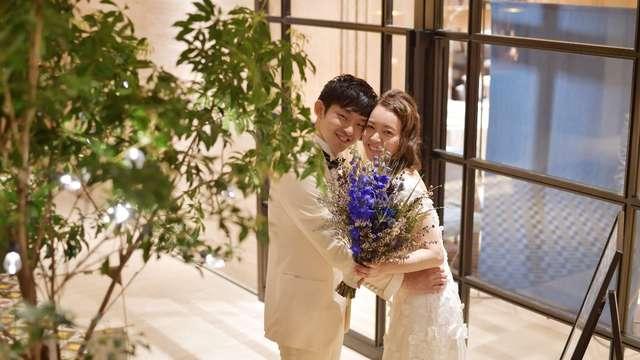 結婚式の青ブーケ