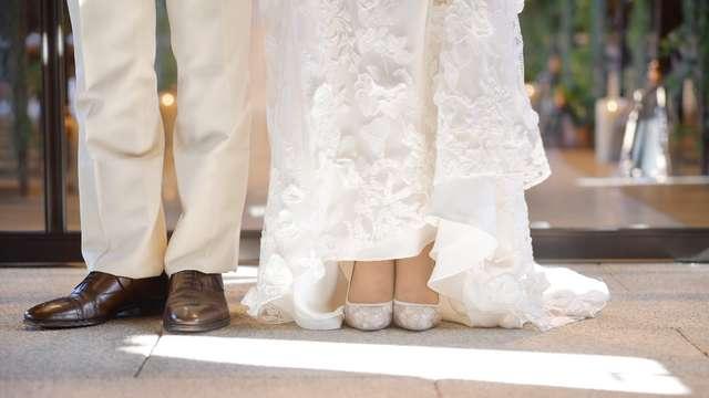結婚式の刺繍ドレス
