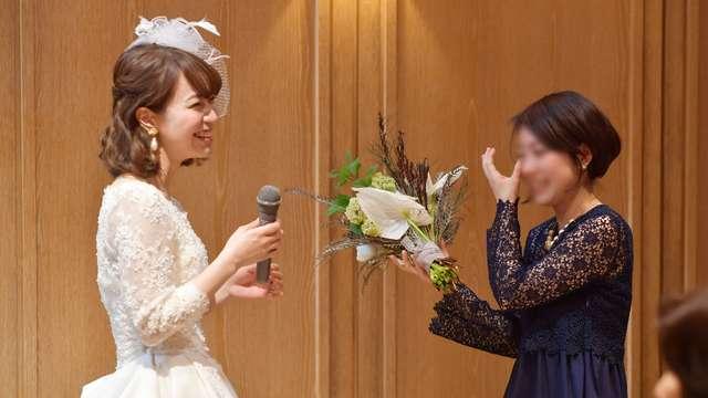 結婚式での友人へのサプライズ