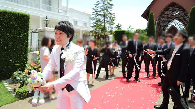 結婚式のぬいぐるみトス