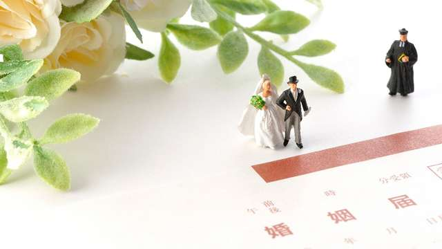 3c6930ad8b6ad 私は記念日入籍にこだわって、半年後に式を挙げました!)ところで婚姻届を出すのは結婚式を挙げる前の場合、これは意外と合理的だったりします。
