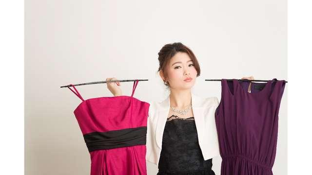 ee5b62c531590 ドレスやワンピースの出来るだけフォーマルなものを選びましょう。「白」の服は新婦が着るもの。白以外の服にしましょう。