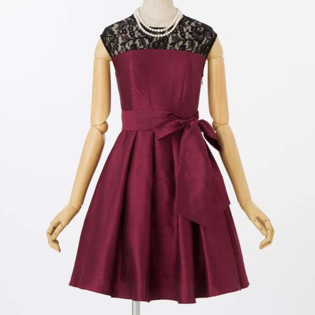 40583932e800b 女性ゲスト向け》結婚式お呼ばれ服装やバッグ、靴などの服装マナー ...