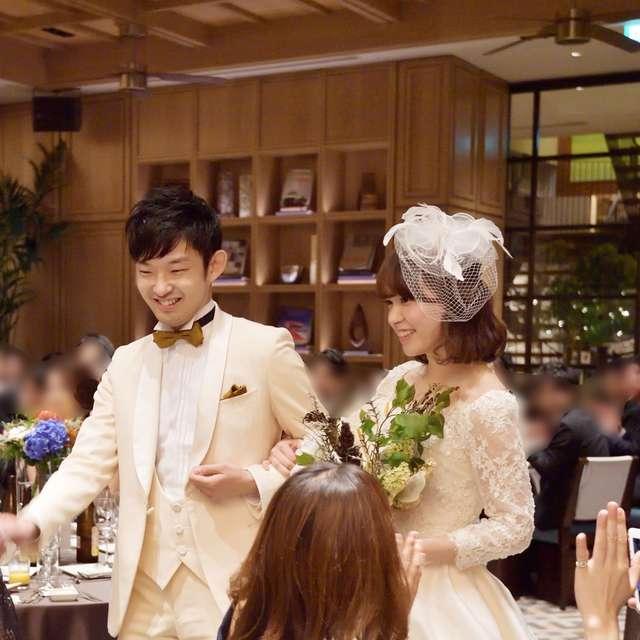 結婚式の花嫁のヘッドドレス