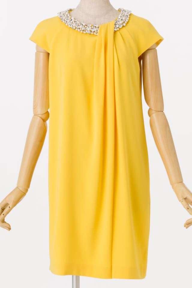 30代向け黄色ドレス
