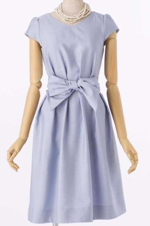 20代向け水色ドレス