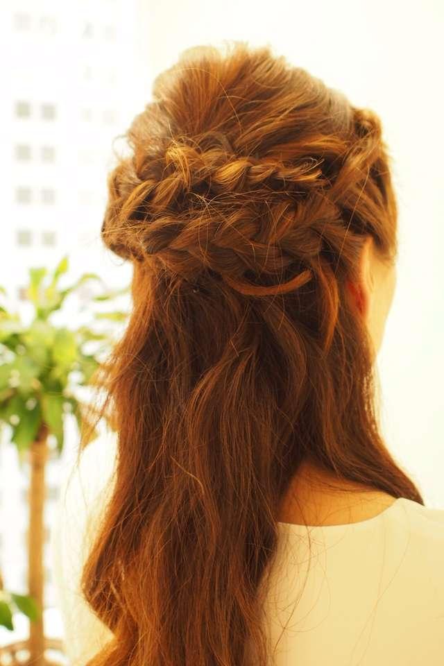 編み込んだ髪でお花を作ったラブリーハーフアップ♡