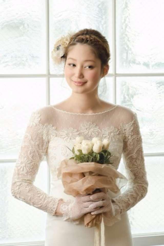 d89cb2d285c03 結婚式の花嫁向け< ミディアムヘア>髪型アレンジまとめ