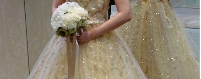 大人花嫁にこそ着てほしい《ゴールドのカラードレス》で夢のような1日を♪