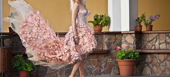 花嫁(女性)のカラードレス