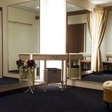 WHITE DOOR 名古屋店