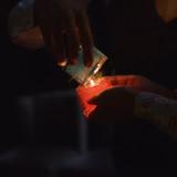 灯りをおとして、キャンドルを灯します。