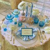 玄関口に飾られていた可愛いテーブル!