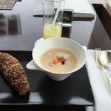 桃とシャンパンのスープ