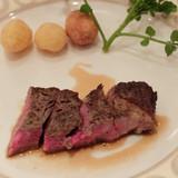 黒毛牛のサーロインステーキ