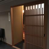 親族控室の和室の入り口