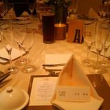 披露宴会場テーブルセッティング