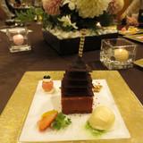 チョコレートでできた五重塔ケーキ